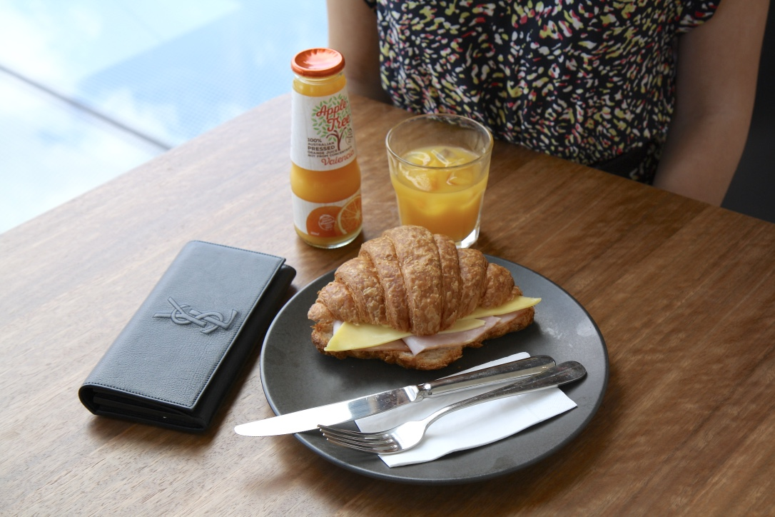 Photo next to breakfast package